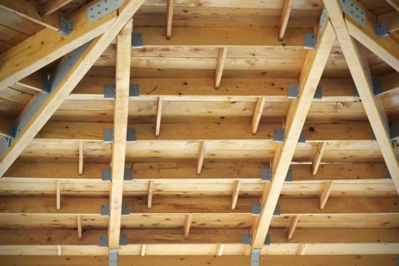 Zalety i wady stropów drewnianych
