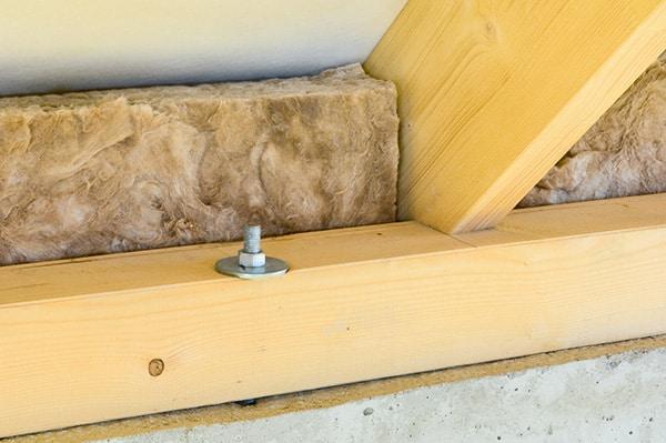 Strop-drewniany-ocieplenie