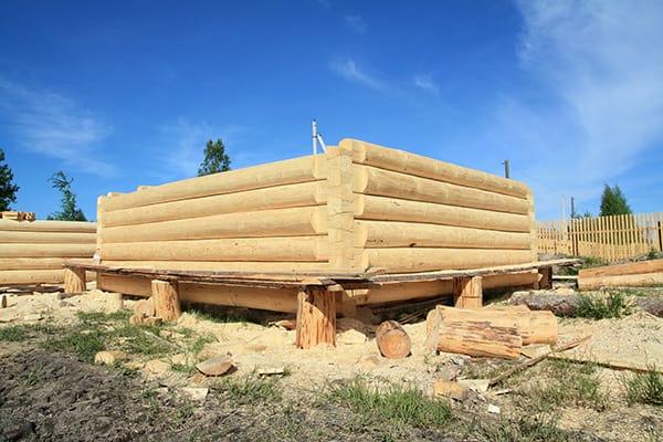 bale drewniane lite