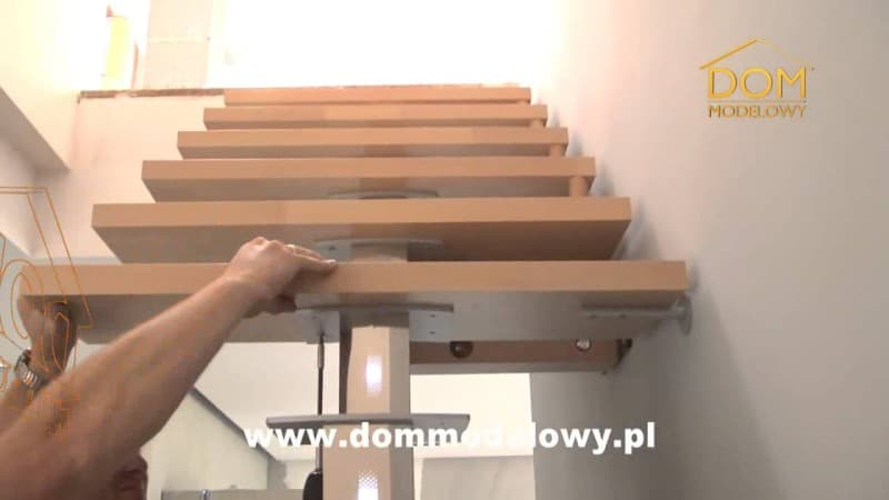 schody w domu blog budowlany mg projekt 800x450 - Schody w domu