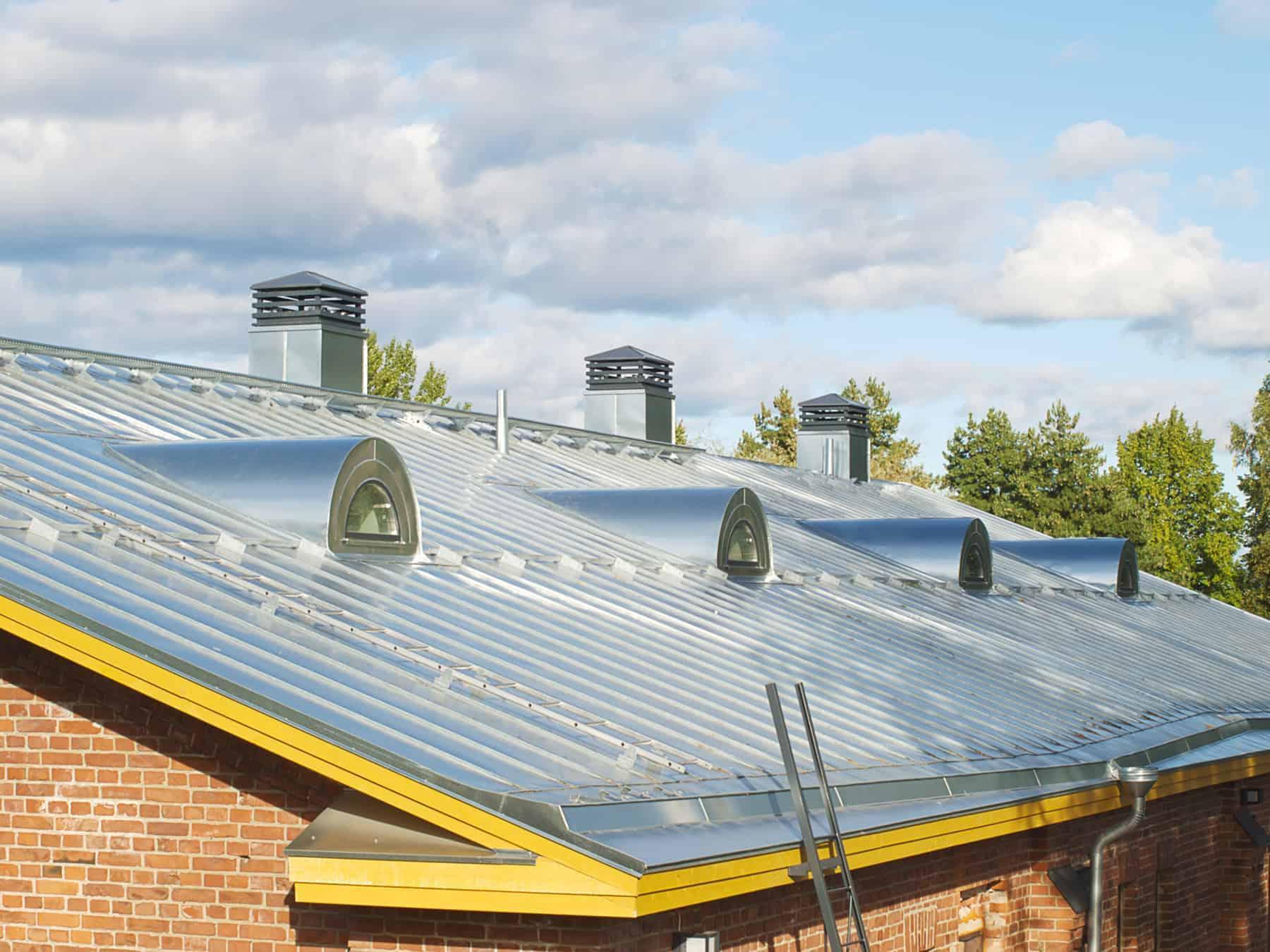 Inteligentny Blacha na dach: blachodachówka, blacha trapezowa, czy na rąbek? EA34