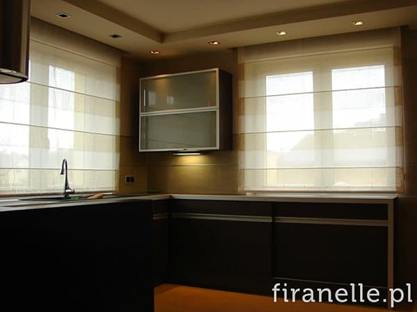 dekoracja okna kuchni domu