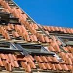 Jak dobrać pokrycie dachu do kąta nachylenia połaci?