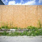 Płyta OSB na dom, podłogę i dach. Czym malować i zabezpieczyć OSB?