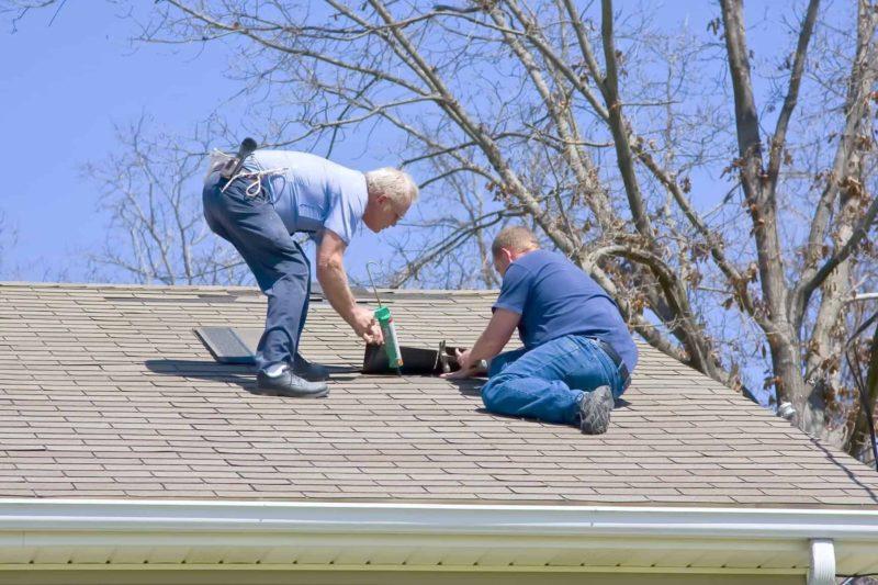 Pokrycia dachowe - jak często należy je czyścić i konserwować?