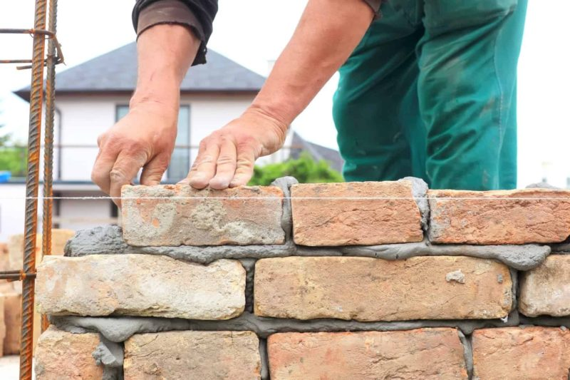 budowa ogrodzenia1 800x533 - Budowa ogrodzenia: przepisy, dokumenty, warunki techniczne