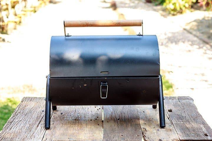Tradycyjny grill węglowy