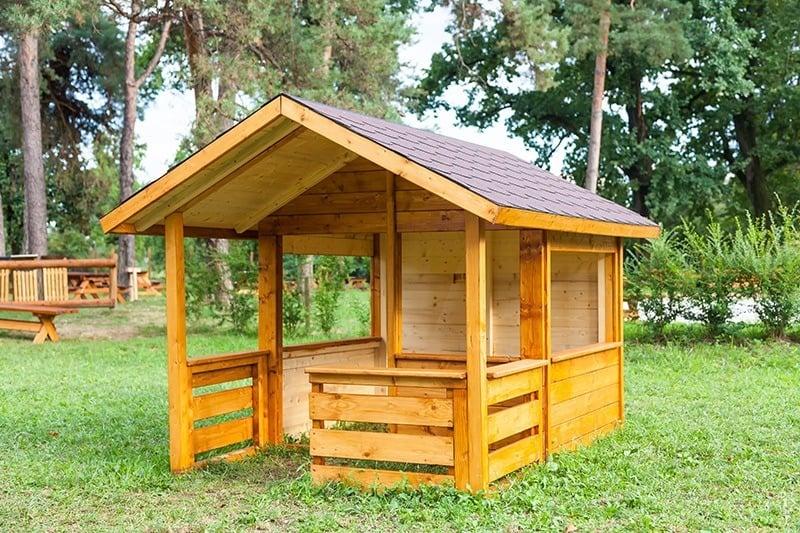 Jak duży powinien być domek ogrodowy dla dzieci