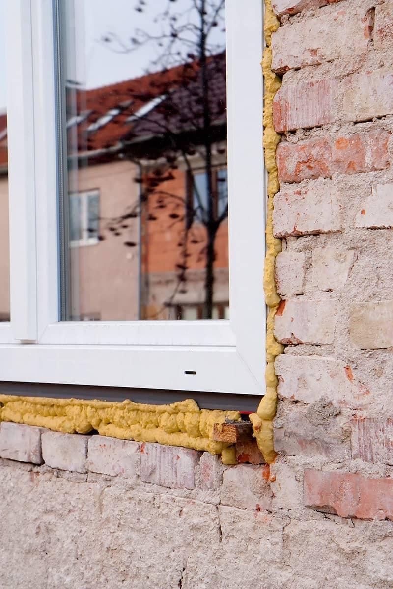 Jak montować okna w domu jednorodzinnym?