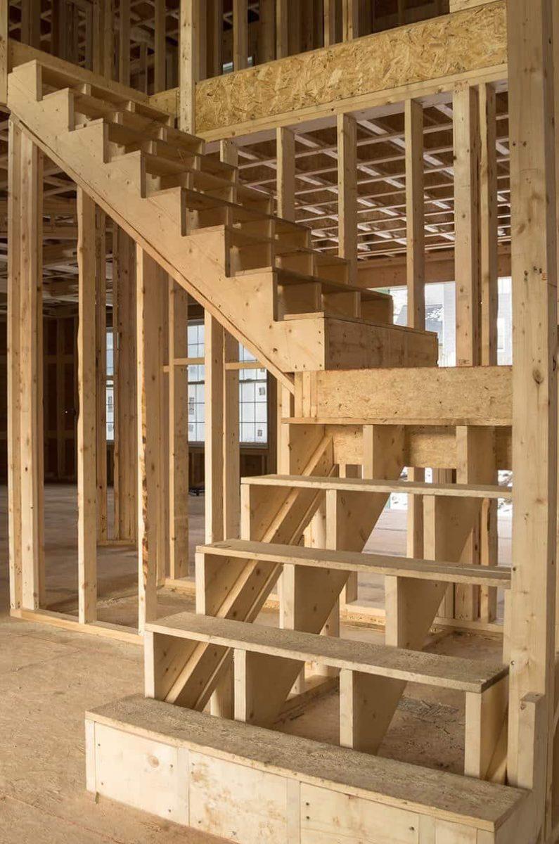 schody dwubiegowe 795x1200 - Schody żelbetowe czy drewniane?