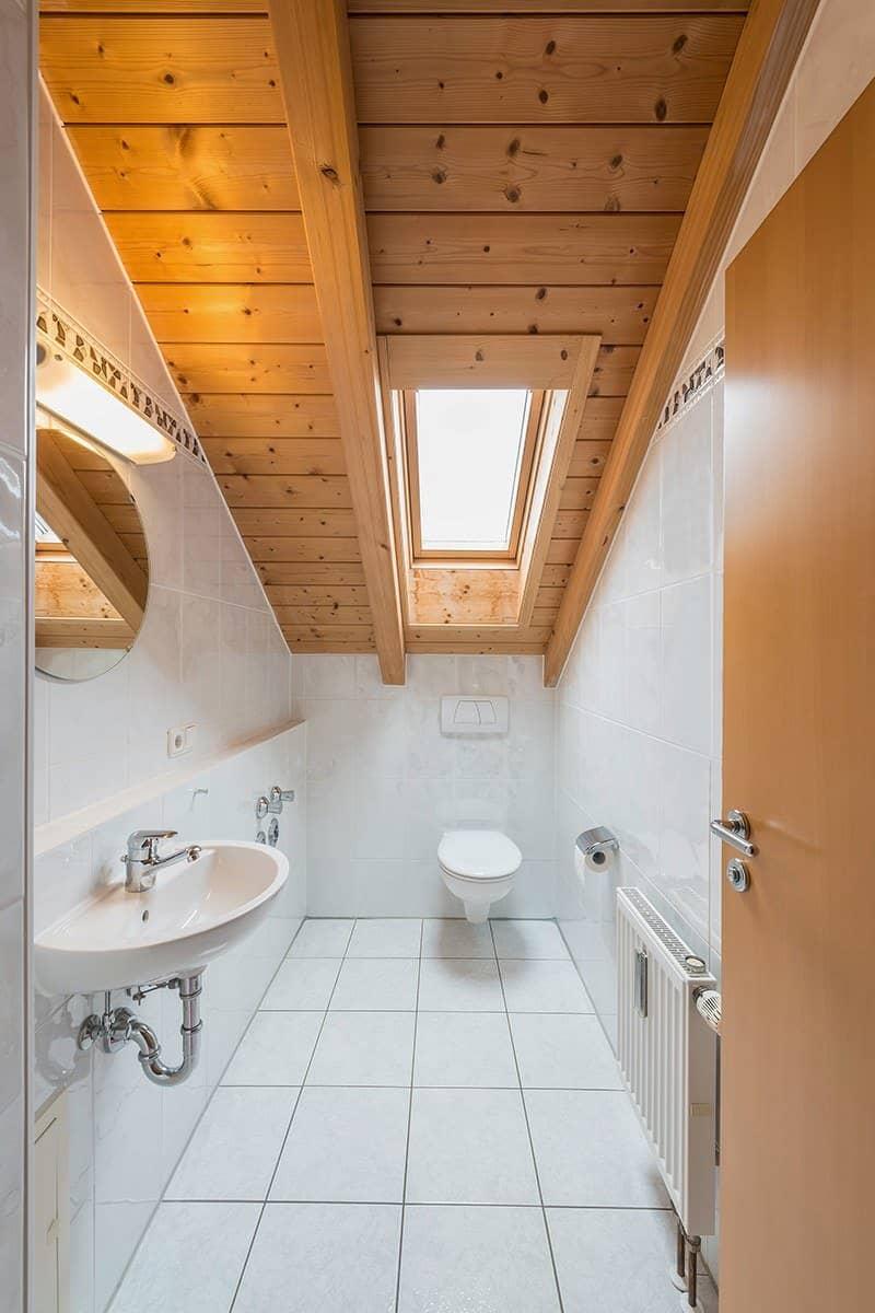 Okna dachowe do łazienki