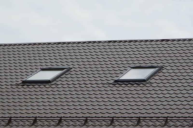 Szyby w oknach dachowych