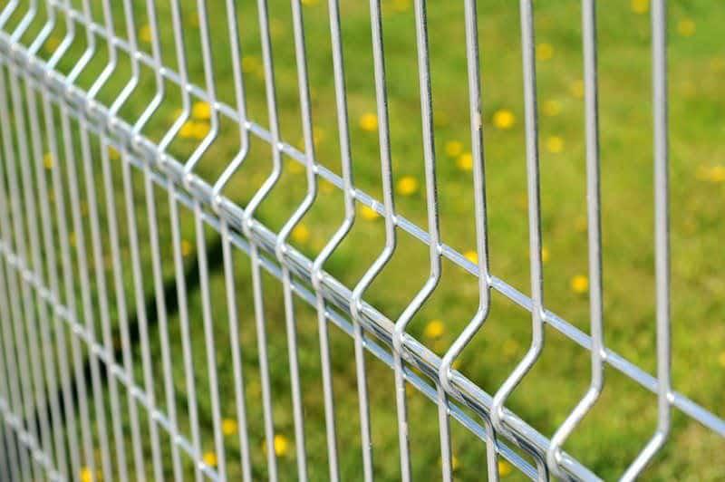 Jaką wybrać siatkę na ogrodzenie domu