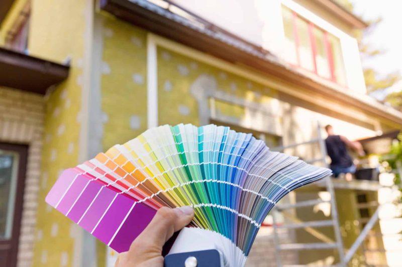 farba elewacyjna 1 800x533 - Farba elewacyjna: jaką wybrać i jak malować elewację domu?