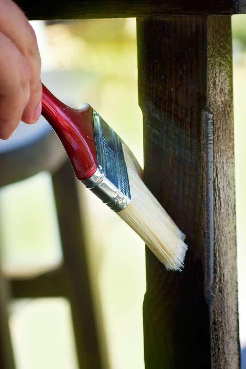 Rodzaje lakierów do drewna i ich właściwości