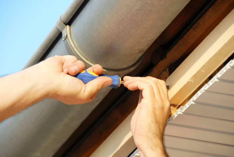 podbitka dachowa 800x536 - Podbitka dachowa: drewniana, PCV, czy z blachy? Montaż krok po kroku