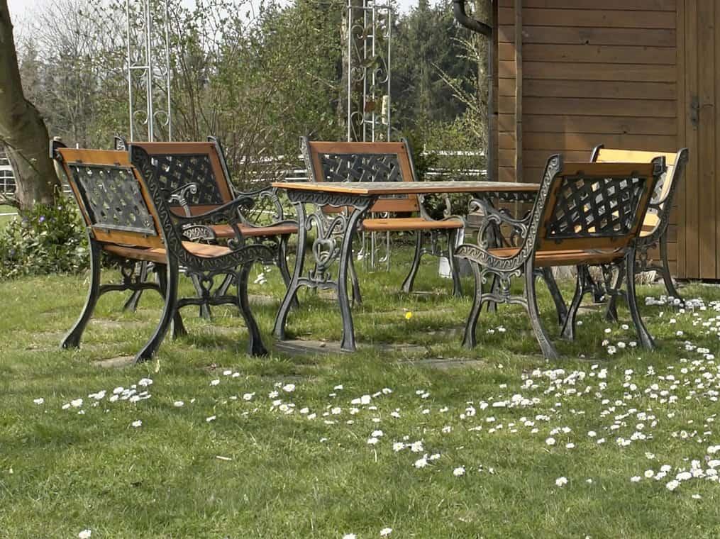 Zeliwne meble ogrodowe