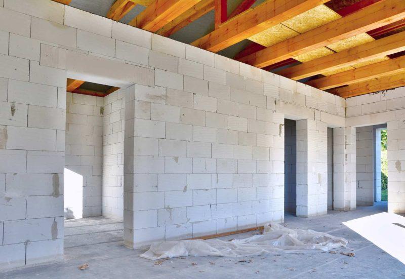 Gazobeton do budowy domu: zalety i wady betonu komórkowego
