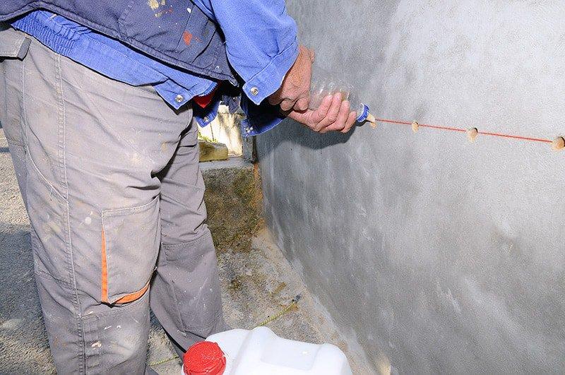 Osuszanie ścian domu