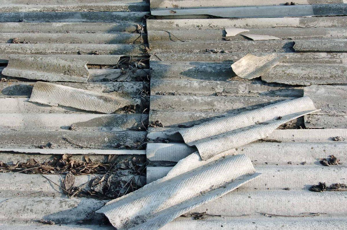 Azbest: usuwanie azbestu i utylizacja płyt z eternitu