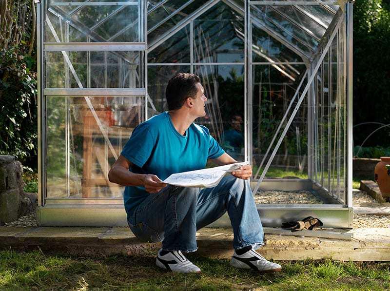Budowa szklarni ogrodowej