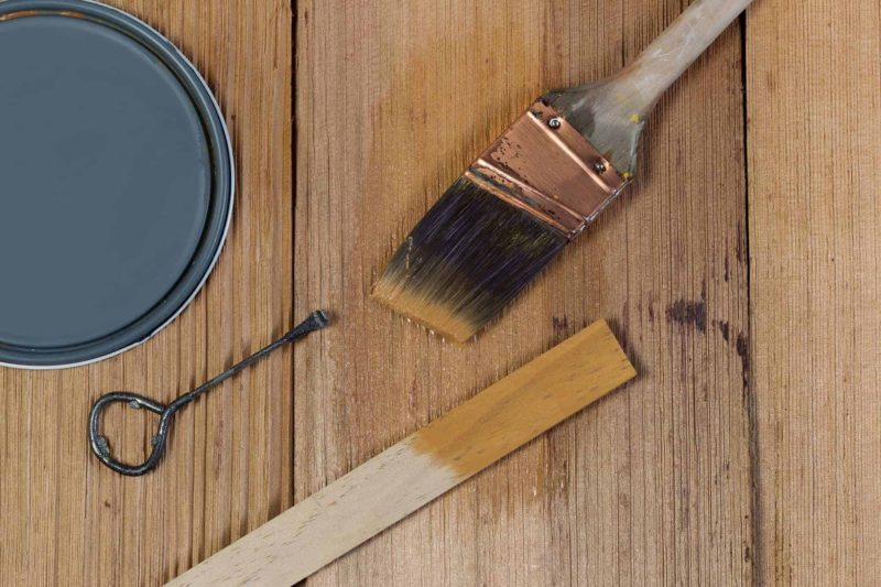 Lakier do drewna: rodzaje, kolory, ceny i parametry lakierów