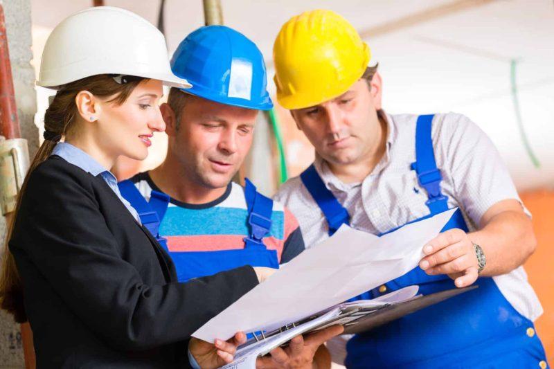 Projekty domów piętrowych: koszt budowy, zalety i wady domu piętrowego