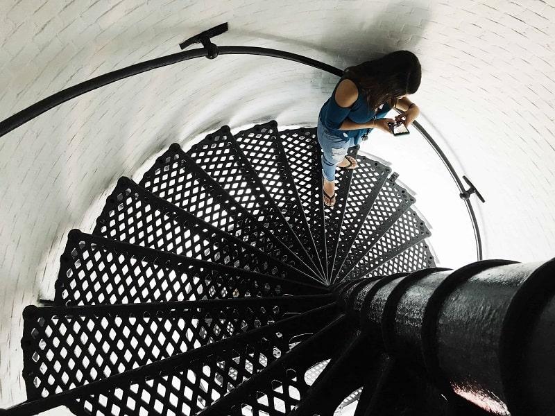 Wady schodów kręconych