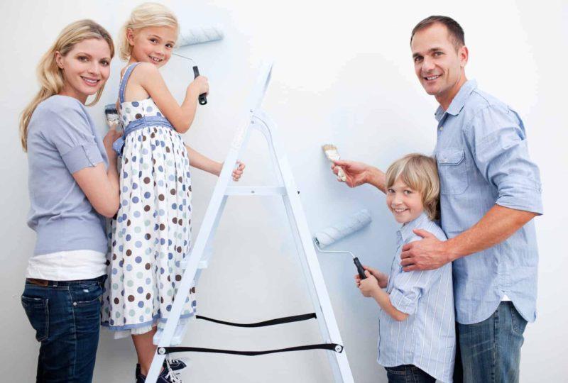 Malowanie ścian i sufitu: jak pomalować pokój [krok po kroku]
