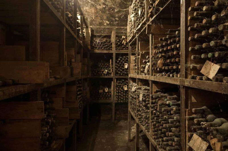 Piwniczka na wino: jak zbudować i urządzić piwniczkę na wino?