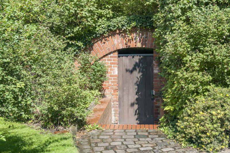 Ziemianka: rodzaje i budowa piwniczki ogrodowej [krok po kroku]