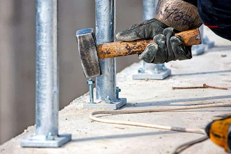 Kotwy chemiczne do betonu montaż