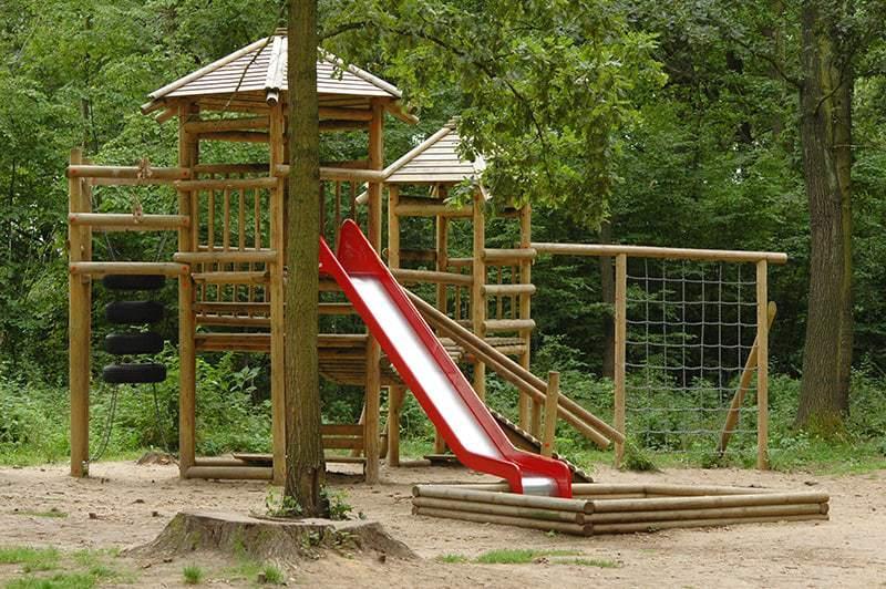 Plac zabaw dla dzieci z piaskownicą
