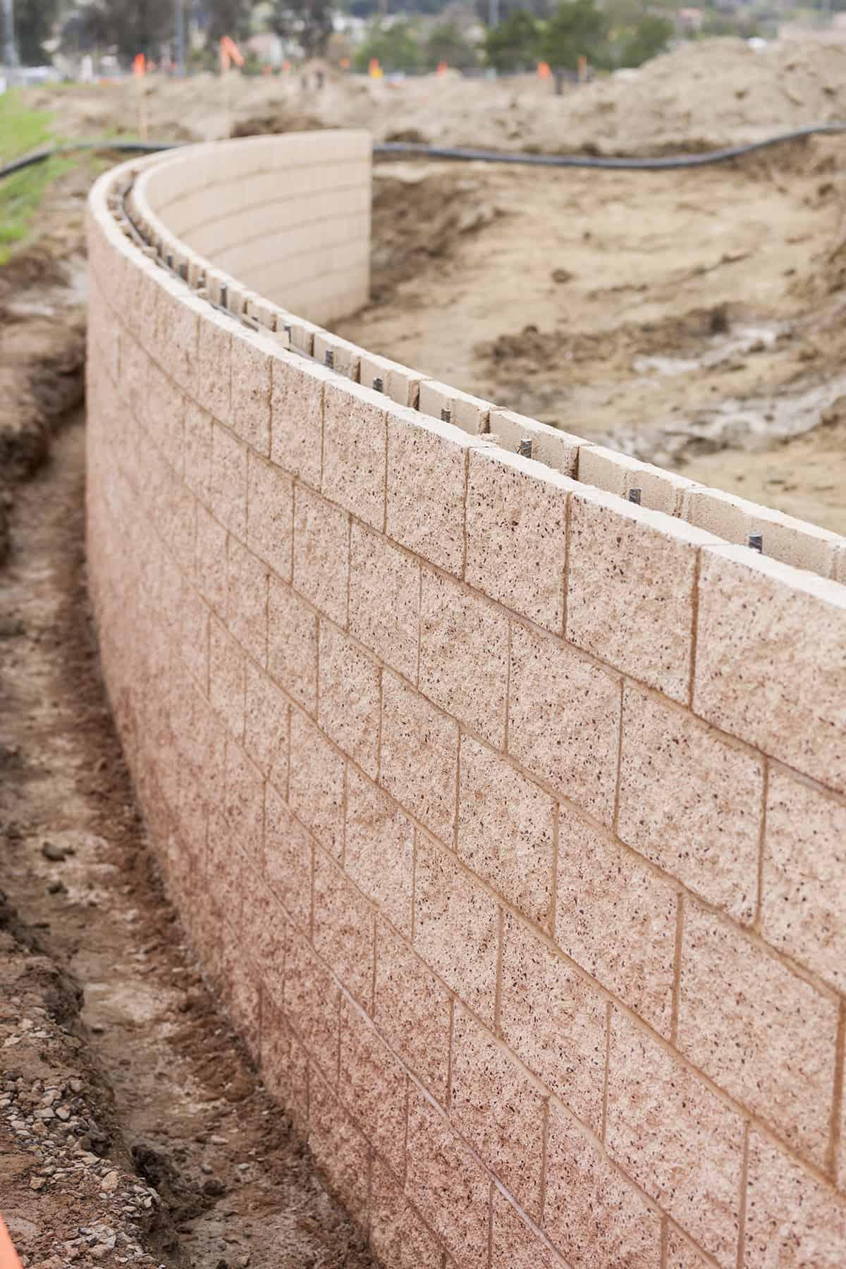 Mur Oporowy Z Czego Zrobic I Ile Kosztuja Murki Oporowe