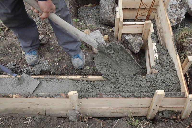 Betonowanie ław fundamentowych