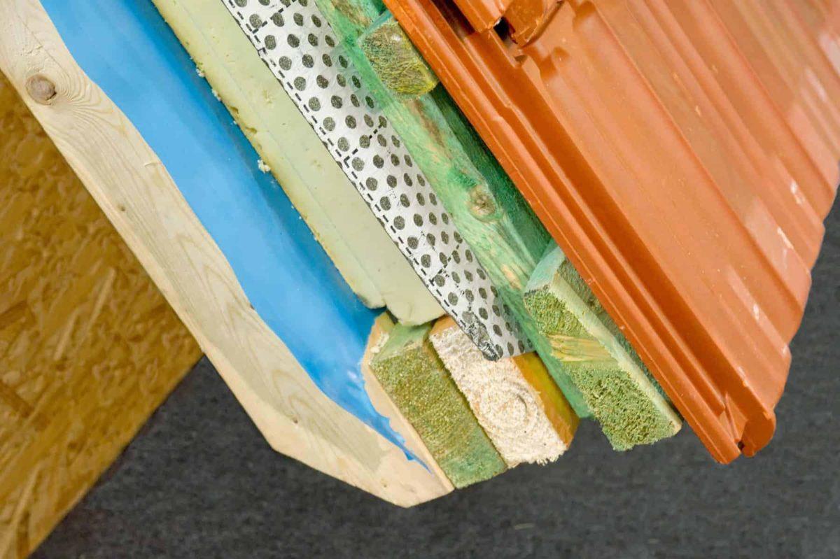 Folia paroizolacyjna: rodzaje, zastosowanie, cena, montaż