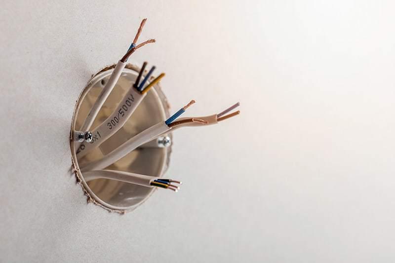 Gniazda elektryczne podtynkowe