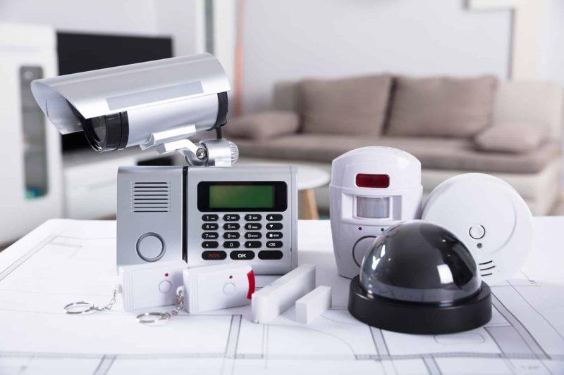 monitoring domu 800x533 - Monitoring domu: cena i elementy monitoringu zewnętrznego w domu