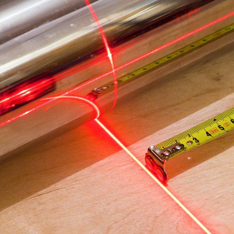 poziomica laserowa 800x800 - Poziomica laserowa: jaką wybrać, jak używać i ile kosztuje?