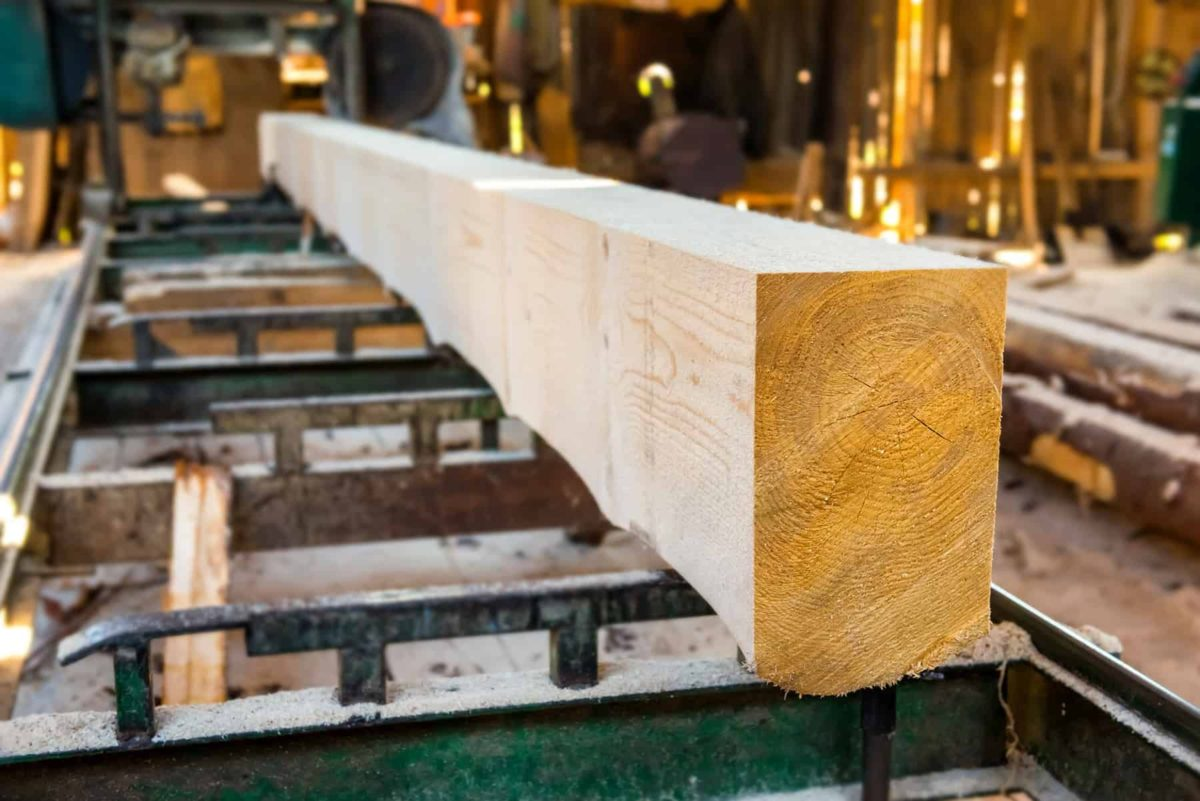 Drewno konstrukcyjne: cena, klasy i rodzaje drewna na konstrukcję domu