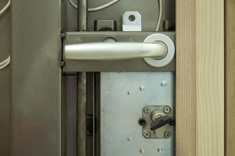 Drzwi antywłamaniowe montaż