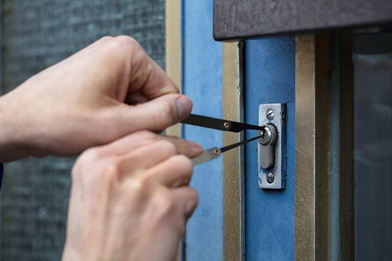 Drzwi antywłamaniowe do domu