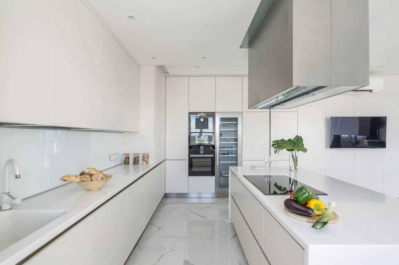 Szkło Lacobel w kuchni: cena, parametry i kolory szkła lakierowanego