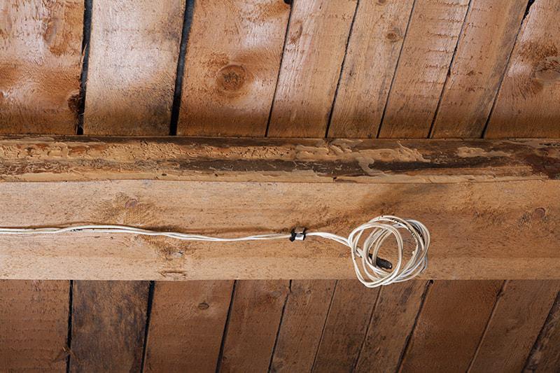 Ocieplanie stropu drewnianego
