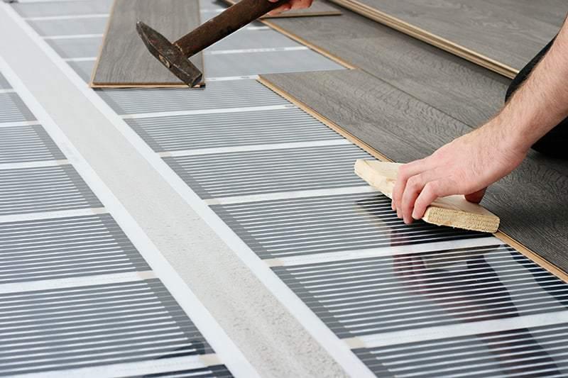 Jak wykonać ogrzewanie podłogowe elektryczne krok po kroku?