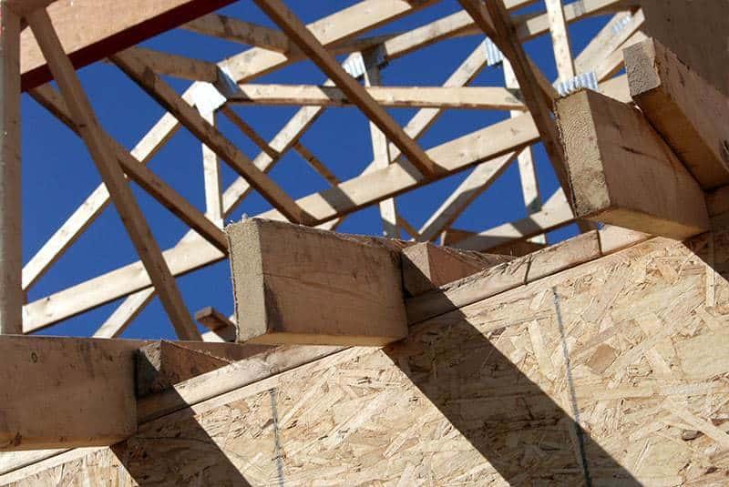 Więźba dachowa z wiązarów kratowych