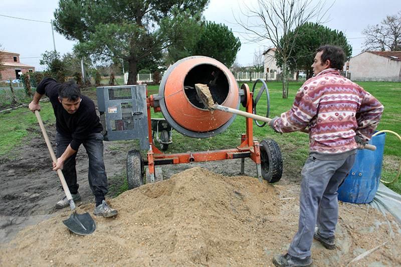 Korzystanie z betoniarki