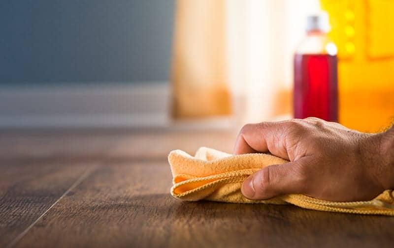 Jak konserwować deski podłogowe?
