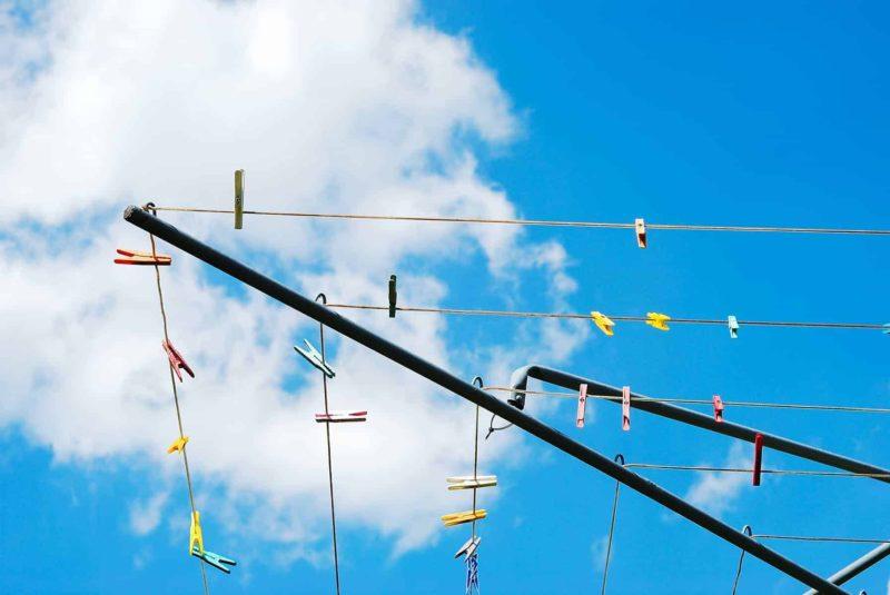 suszarka na pranie 800x535 - Suszarka na pranie: elektryczna, ogrodowa, sufitowa, czy stojąca?