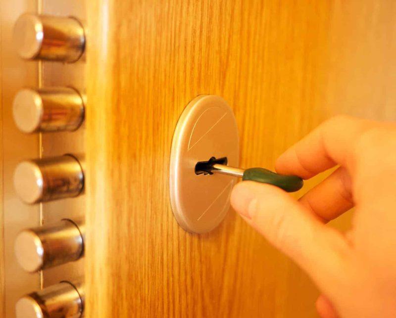 Zamek do drzwi: jaki wybrać i jakie są rodzaje zamków?